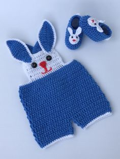 *** DIGITAL DOWNLOAD, NO ACTUAL ITEM WILL BE SENT*** This listing is for a Crochet Pattern. This one of a kind crochet Baby Bunny Shorts have adjustable straps. This listing is for a baby shorts set Crochet Pattern in Newborn/0-3 months/ 3-6 months/ 6-9 months and 9-12 months size.