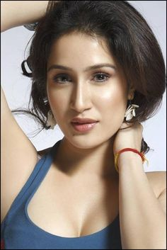 Download Actress Sagarika Ghatge Photos