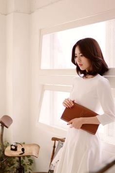 Yun Seon Young milkcocoa women t Yoon Sun Young, Lee Young, Asian Woman, Asian Girl, Yun Yun, Fashion Models, Girl Fashion, Modern Aprons, Korean Aesthetic