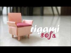 Takes around to make an origami sofa / couch. You start with a square sheet and then slim it down to a rectangle once you have got all the folds right. Easy Origami Flower, Origami Simple, Origami Fish, Useful Origami, Origami Flowers, Origami Hearts, Oragami, Origami Toys, Origami Paper Art