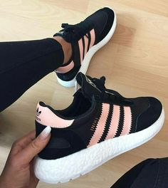 Sneakers femme - Adidas Superstar Rose Gold - Adidas Shoes for Woman Cute Sneakers, Best Sneakers, Shoes Sneakers, Sneakers Sale, Suit Shoes, Sneakers Women, Shoes Heels, Adidas Iniki, Adidas Sneakers