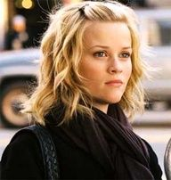 shoulder-length hair/Reese Witherspoon