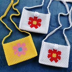 Beaded Purses, Beaded Bags, Beaded Jewelry Patterns, Beading Patterns, Childrens Purses, Diy Crochet Bag, Diy Bags Purses, Kandi Patterns, Diy Bracelets Easy