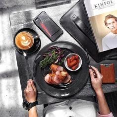Time for some brunch... - by @leochan_kh - Leather Wallet Case for iPhone 7 Plus available on mujjo.com or through resellers worldwide. #mujjo