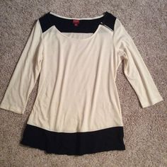 .:CREAM & BLACK TOP M:. Adorable, never worn top size MED. 3/4 sleeves with adorable zipper accent on shoulder. Merona Tops Tees - Long Sleeve