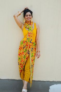 Chiconomical: 3 Navratri Outfits On A Budget - Sunshine Yellow Indian Fashion Dresses, Indian Gowns, Ethnic Fashion, Indian Wear, Wedding Dresses For Girls, Girls Dresses, Saree Designs Party Wear, Suit Fashion, Fashion Outfits