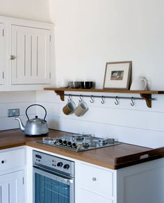 Super Cozy and not over the top, just simple and clean || Bespoke Handmade Kitchen