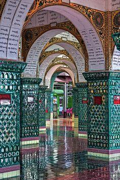 Pagoda op Mandalay Hill. Kijk voor meer reisinspiratie op www.nativetravel.nl