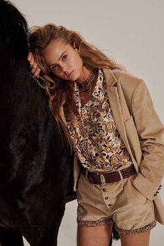 Fashion Week, Womens Fashion, Fashion Trends, Fashion 2018, Cheap Fashion, Fashion Art, High Fashion, Estilo Glamour, V Model
