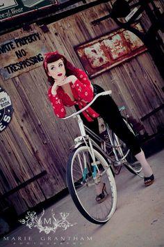 Rockabilly Pin Up:: Pin Up Girl Fashion Pin Up Rockabilly, Rockabilly Moda, 50s Pin Up, Retro Pin Up, Rockabilly Fashion, Rockabilly Shoes, Rockabilly Dresses, Rockabilly Clothing, Velo Retro