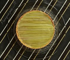 Pourquoi pas .... ??: Tarte à la rhubarbe – Philippe Conticini Tout Rose, Grill Pan, Still Life, Cooking, Biscuits, Blog, Apricot Tart, Light Desserts, Cooking Food