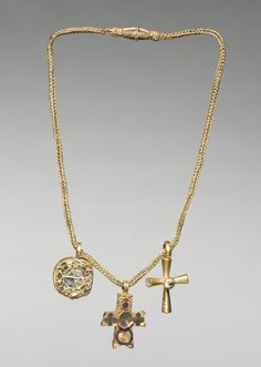 Early 6th c. chain with pendants - gold, enamel, and glass (overall H 6 5/8 in.) - Cleveland Museum of Art 1947.35