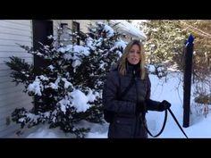 Dans cette vidéo, Nadine explique comment faire pour qu'un chien arrête de tirer en laisse lors de la promenade. Elle ne recherche pas une marche au pied, Border Collie, Dog Training, Winter Jackets, Simple, Dogs, Jumper, Love My Dog, Dog Leash, Dog Agility