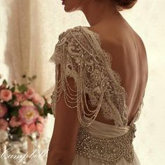 """andantegrazioso: """"Fashion essentials: embellish your arms with embroidery Kate Wedding Dress, Wedding Dresses 2014, Wedding Trends, Bridal Dresses, Anna Campbell Bridal, Sadies Dress, Bohemian Bride, Yes To The Dress, Fashion Essentials"""