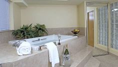 Seattle Hot Tub Suites Hotels With In Room Whirlpool Tubs