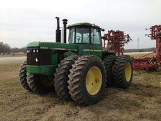 Vállalkozása mezőgazdasági munkájához szeretne gépet vagy traktort vásárolni? Legyen traktor, kombájn, vetőgép, palánta...Igényei alapján bármely mezőgazdasági eszközt, gépet megtalál a www.krimzon.eu oldalunkon! #mezőgazdaság #traktor #palánta #zöldség #gyümölcs #krimzon www.krimzon.eu Jd Tractors, John Deere Tractors, Rubber Tires, Farm Life, Trucks, History, Good Job, Tractors, Historia
