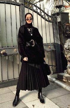 Hijab Chunky Belt Black on Black (edaconmart) Casual Hijab Outfit, Modest Fashion Hijab, Modern Hijab Fashion, Street Hijab Fashion, Hijab Fashion Inspiration, Hijab Chic, Muslim Fashion, Fashion Black, Hijab Mode