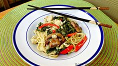 Looking for an easy yet delicious meal? Try this great Chicken Green Curry Noodles recipe. Better than take out and easy to make at home! Chicken Noodle Recipes, Chicken Noodles, Green Curry Chicken, Curry Noodles, Cooking Recipes, Healthy Recipes, Southern Recipes, No Cook Meals, Dinner Recipes