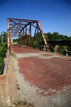 route-66-one-lane-bridge-frank-romeo.jpg 466×700 pixels