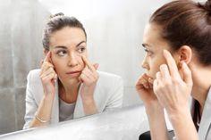 Kosmetyki i zdrowie: Jaki wybrać krem przeciwzmarszczkowy pod oczy ? Beauty Essentials, The Doctor, How To Do Eyebrows, Hair Removal Methods, Eyes Problems, Eyebrow Brush, Threading Eyebrows, Sagging Skin, Puffy Eyes