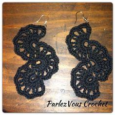 Crochet earrings in black