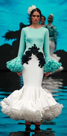 Ernesto Sillero, Simof 2017 Dot Dress, Dress Up, Sexy Dresses, Beautiful Dresses, Flamenco Dancers, Flamenco Dresses, Spanish Dress, Spanish Fashion, Frou Frou