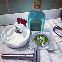 Shave of the day- Col Conk's Lime Shave soap, Omega synthetic shaving brush, Royal Shave lather bowl, Qshave razor and finished with Clubman Reserve Gent's Gin. #sotd #shaveoftheday #shaving #shavelikeyourgrandpa #shavelikeaboss #shavelikeaman #colconklimesoap #omegasyntheticbrush #royalshave #latherbowl #clubmanreserve #gentsgin #qshave #wetshaving #classicshaving #manthings #manlysmell #smellgoodfeelgood