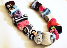 Tutorial per realizzare un collana con le stoffe di riciclo - Scritto da Elena…