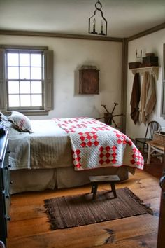 Colonial style bedroom