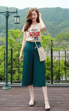 Ideas for fashion outfits casual hijab Korean Girl Fashion, Korean Fashion Trends, Ulzzang Fashion, Ootd Fashion, Asian Fashion, Fashion Dresses, Womens Fashion, Square Pants Outfit Casual, Square Pants Ootd