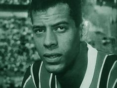 A história do ídolo Carlos Alberto Torres, o maior lateral direito da história, campeão com a seleção brasileira e com a Máquina Tricolor.