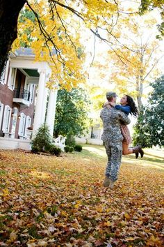 Have to do a pic like this all you military couples out there!  Billieshayestyle.com Couple Photography Poses, Maternity Photography, Family Photography, Friend Photography, Military Couples, Military Life, Maternity Pictures, Pregnancy Photos, Army Wedding