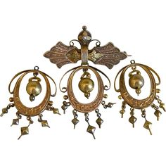 Victorian 14k Yellow Gold Brooch with Earrings