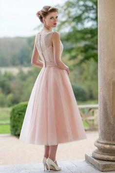 Tea Length Lace Top Bateau Neck A-line Pink Tulle Bridesmaid Dress 2017_1