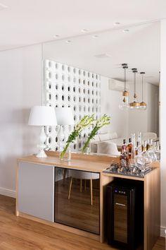 Apartment Room, Interior Furniture, Sweet Home, Home Wine Cellars, Living Room Decor Apartment, Funky Decor, Dinner Room, Home Bar Decor, Dinning Room Bar