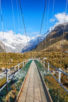 A fabulous UNESCO World Heritage site Aoraki Mount Cook National Park stretches from Westland to Fiordland on New Zealand's South Island. A mecca for climbers, hikers, skiers, and lovers of natural beauty, the park's attractions include the Tasman Glacier and the warm and welcoming Heritage, New Zealand's most famous hotel.