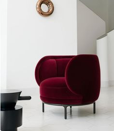 Useful solutions of how stylish armchairs could alter the interior design of your house. Modern Interior Design, Interior Design Inspiration, Furniture Inspiration, Contemporary Interior, Luxury Interior, Luxury Furniture, Furniture Design, Velvet Furniture, Luxury Chairs