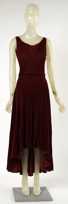 Evening dress Madeleine Vionnet (French, Chilleurs-aux-Bois 1876–1975 Paris) Date: ca. 1929 Culture: French Medium: silk Dimensions: [no dimensions available] Credit Line: Gift of Mrs. Lewis Balamuth, 1973 Accession Number: 1973.294.1a, b