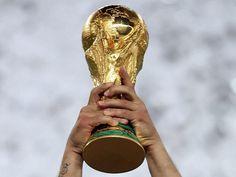 Belki de kupanın en önemli anı, kazanıp, o kupayı havaya kaldırdığınız andır. www.sporradyosu.com