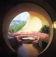 dome room http://aqqindex.com/post/44148402749/antti-lovag-maison-bulle-1975-1989
