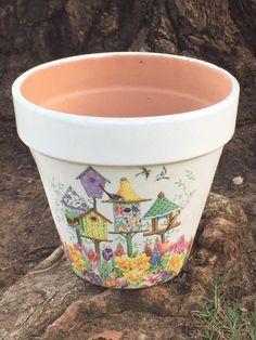 Shabby Chic Garden Pots Planters 52 New Ideas Flower Pot Art, Clay Flower Pots, Flower Pot Crafts, Clay Pot Crafts, Clay Pots, Painted Plant Pots, Painted Flower Pots, Pots D'argile, Decorated Flower Pots