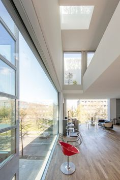 Office Interior Design, Office Interiors, Glass Pavilion, Building Concept, Narrow House, House Extensions, Window Design, Apartment Living, Living Room