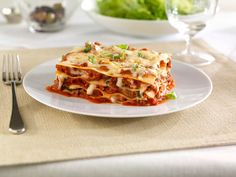 Looking for an authentic Italian recipe? Try Barilla's step-by-step recipe for Barilla® Oven-Ready Lasagne with Ground Beef & Barilla® Traditional Sauce for a delicious meal! Homemade Lasagna Recipes, Lasagne Recipes, Easy Lasagna Recipe, Barilla Recipes, Pasta Recipes, Fun Cooking, Cooking Recipes, Kitchens