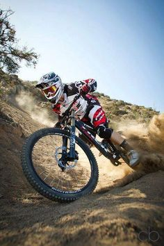 There are many different kinds and styles of mtb that you have to pick from, one of the most popular being the folding mountain bike. The folding mtb is extremely popular for a number of different … Mountain Bike Reviews, Mountain Bike Trails, Fully Bike, Vtt Dirt, Mtb Enduro, Dual Suspension Mountain Bike, Mt Bike, Road Bike, Ps Wallpaper