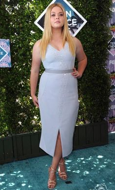 Sasha Pieterse. This looks uncomfortable but her body is very relatable to me.