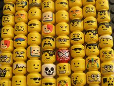 lego faces - as a reference for DIY Lego party creation Lego Party Favors, Lego Birthday Party, Baby Jars, Baby Food Jars, Diy Projects Journal, Lego Projects, Deco Lego, Lego Faces, Baby Food Jar Crafts