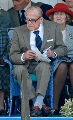 Prince Philip, Duke of Edinburgh attends the 2017 Braemar Gathering at The Princess Royal and Duke of Fife Memorial Park on September 2017 in Braemar, Scotland. Get premium, high resolution news photos at Getty Images Prince Andrew, Prince Charles, Edinburgh, Prinz Philip, Viscount Severn, Pictures Of Prince, Hm The Queen, Elisabeth Ii, Handsome Prince