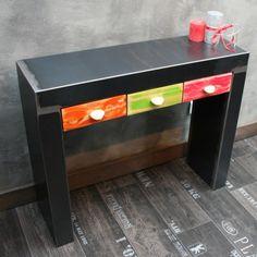 Une console tiroir métal brut en acier résolumment industrielle.Un design sobre pour une console metal résolumment moderne. www.loftboutik.com