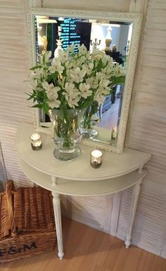 Beautiful half moon table and mirror painted Annie Sloan Half Circle Table, Half Table, Half Moon Console Table, Half Moon Table, Hallway Table Decor, Entryway Decor, Entryway Console, Cream Furniture, Painted Furniture