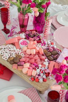 Staying in for Valentine's day to avoid crowds? Put together a whimsical Valenti… Staying in for Valentine's day to avoid crowds? Put together a whimsical Valenti…,Valentine's Day Staying in for Valentine's day to avoid. Valentine Desserts, Valentines Day Food, Valentines Day Decorations, Fun Desserts, Valentine Ideas, White Chocolate Pretzels, Chocolate Dipped, Homemade Chocolate, Charcuterie Board